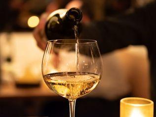 <終了>【10周年記念】本数限定!「水の謌」開業2009年生まれの白ワインボトル付きプラン登場!