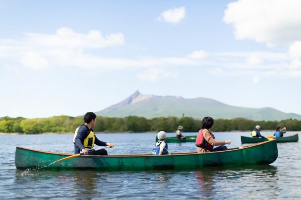 大沼で駒ヶ岳を望みながら優雅にカヌーを